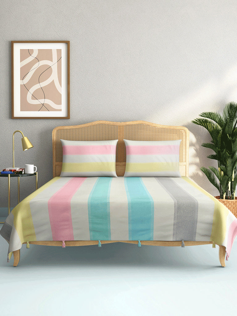 Westside Home Light Blue Woven Double Bedcover with Two Pillowcases