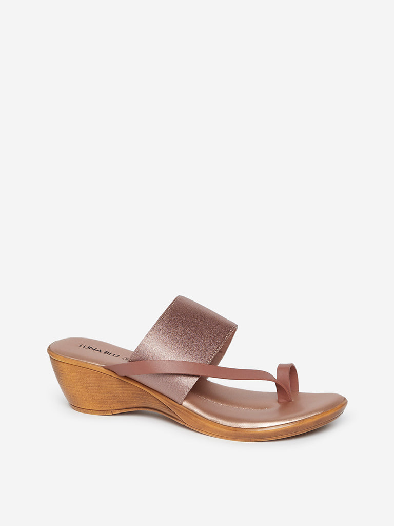 LUNA BLU Rose Gold Toe-Ring Wedge Sandals