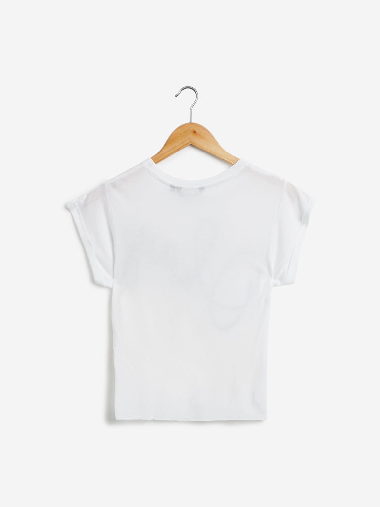 Nuon White Text Detail Olix Cropped T-Shirt