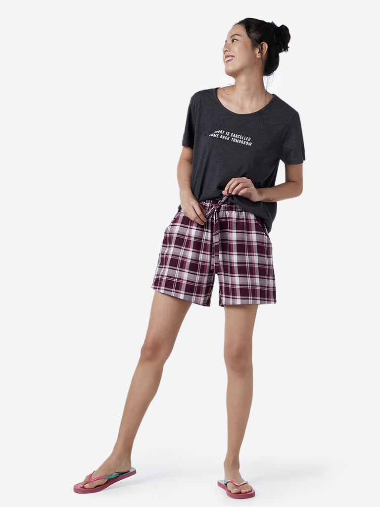 Wunderlove Dark Red Checkered Shorts