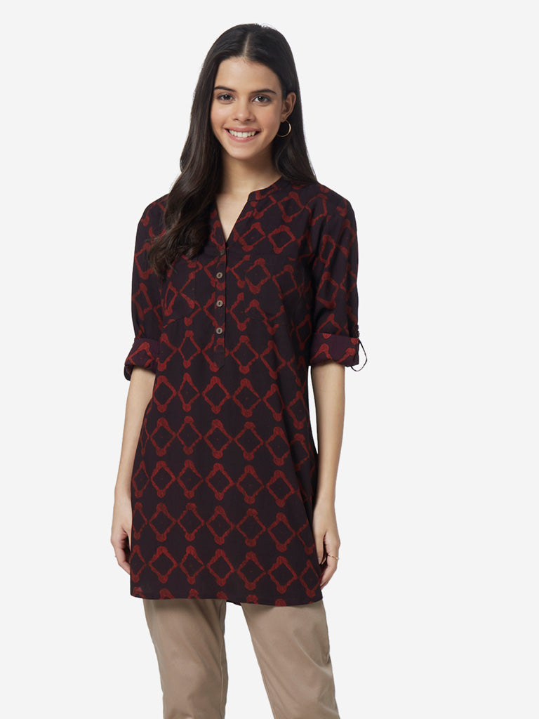 Utsa Black And Red Printed A-Line Kurti