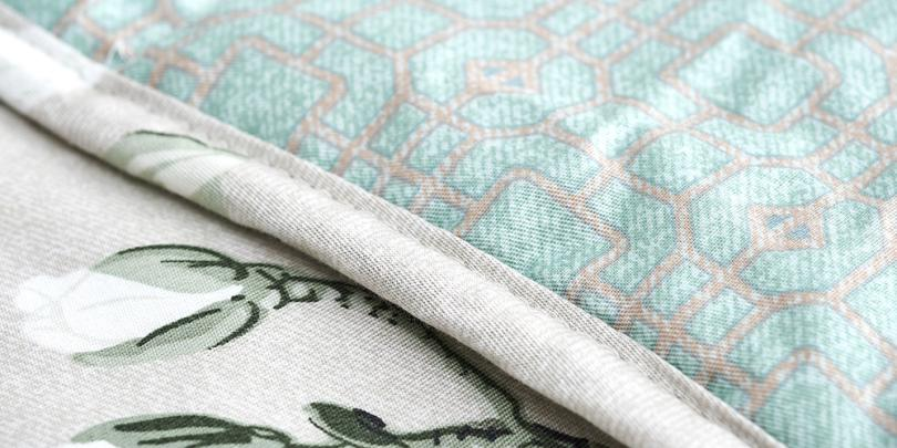 Patterned YNM Weighted Blanket Close-Up