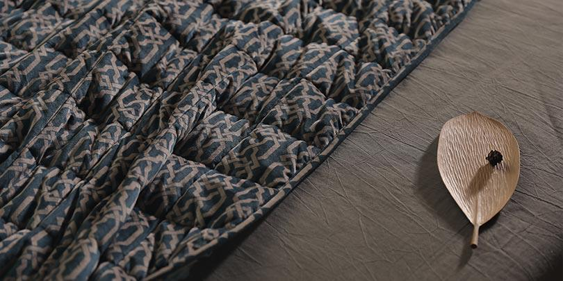 Top View of YNM Infinite Weighted Blanket On Bed