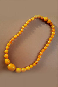 Bow & Crossbones - Fay Retro Fakelite Beaded Necklace - Butterscotch