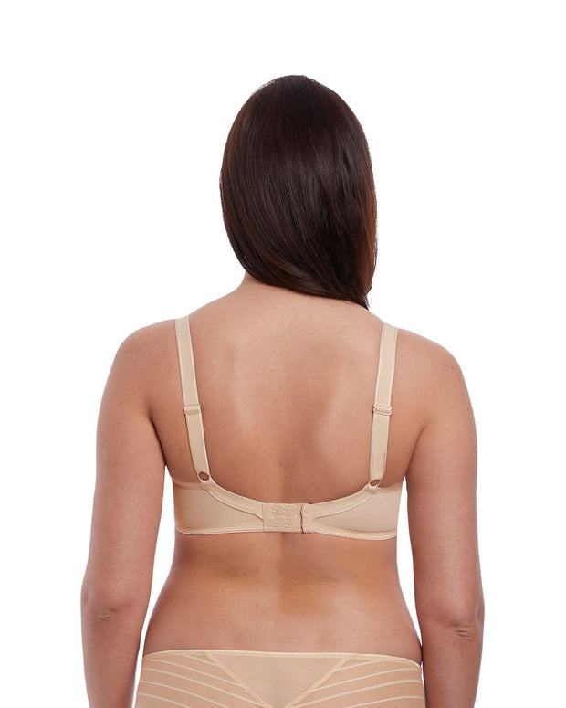 Cameo Moulded Plunge Bra