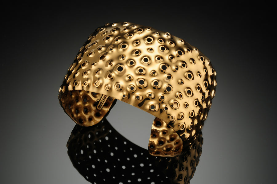 Thick Halo Gold Reef Cuff