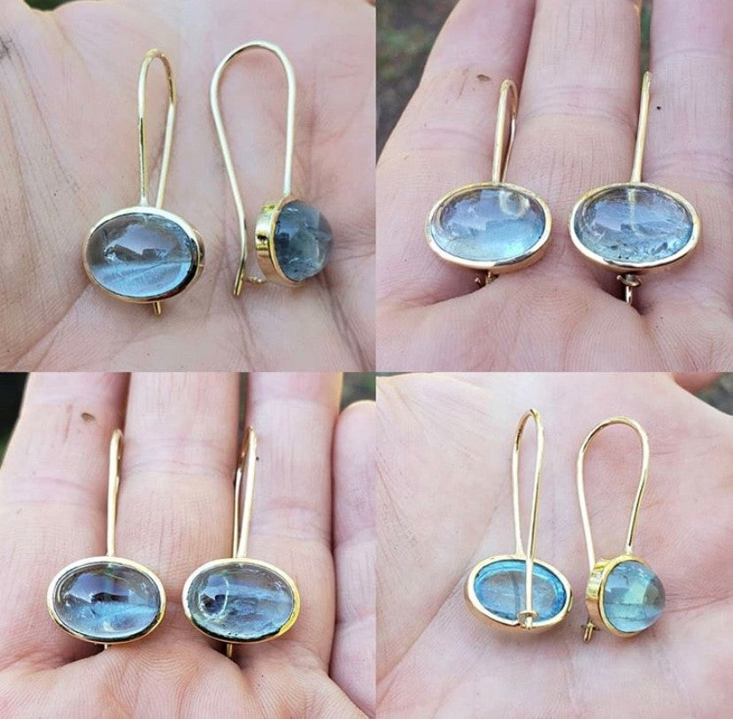 Natural Aquamarine and 18K Yellow Gold Earrings