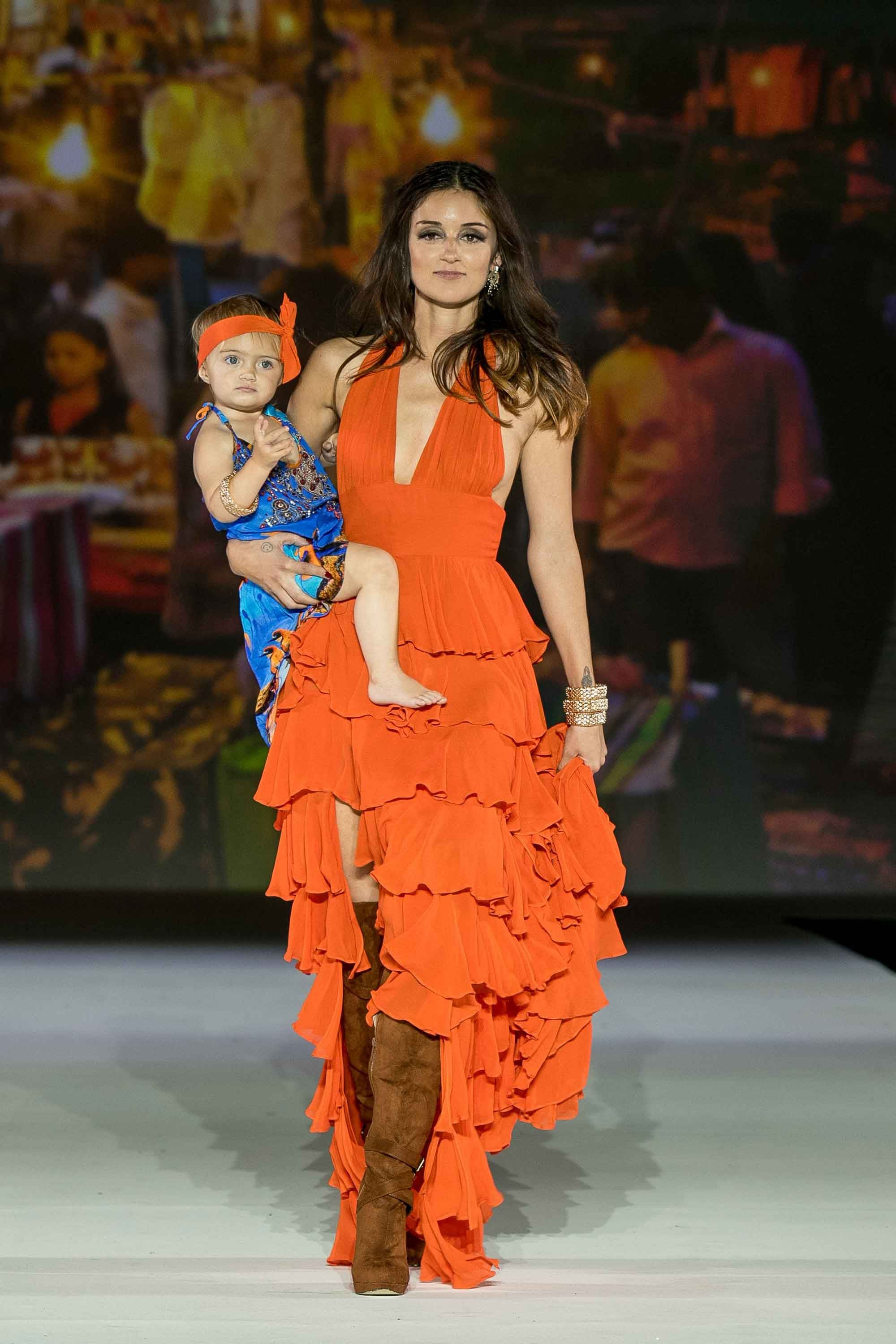 shahida parides fall 2017 collection on caroline damore and daughter bella at style fashion week la