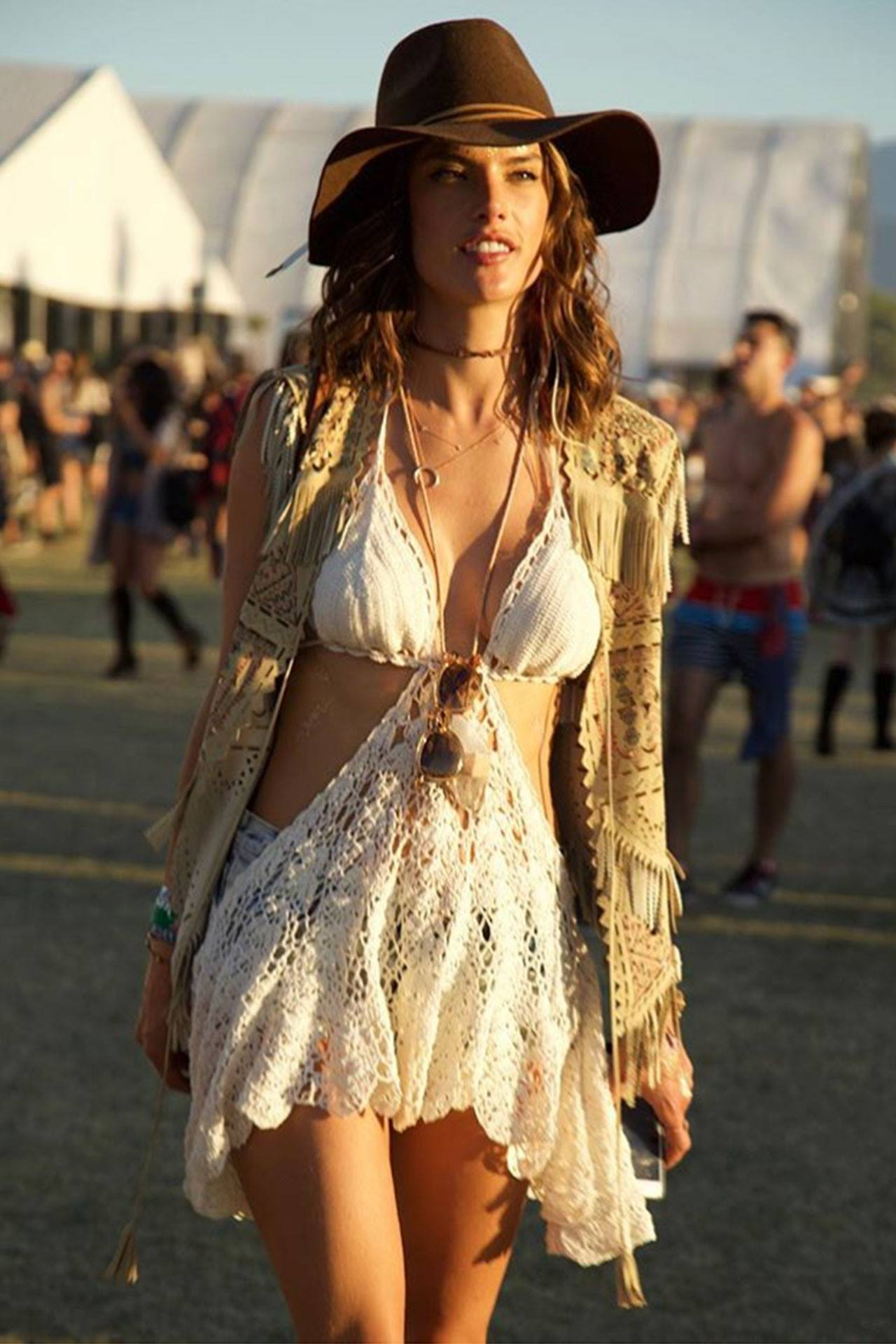 alessandra-ambrosio-at-coachella-2016-best-dressed