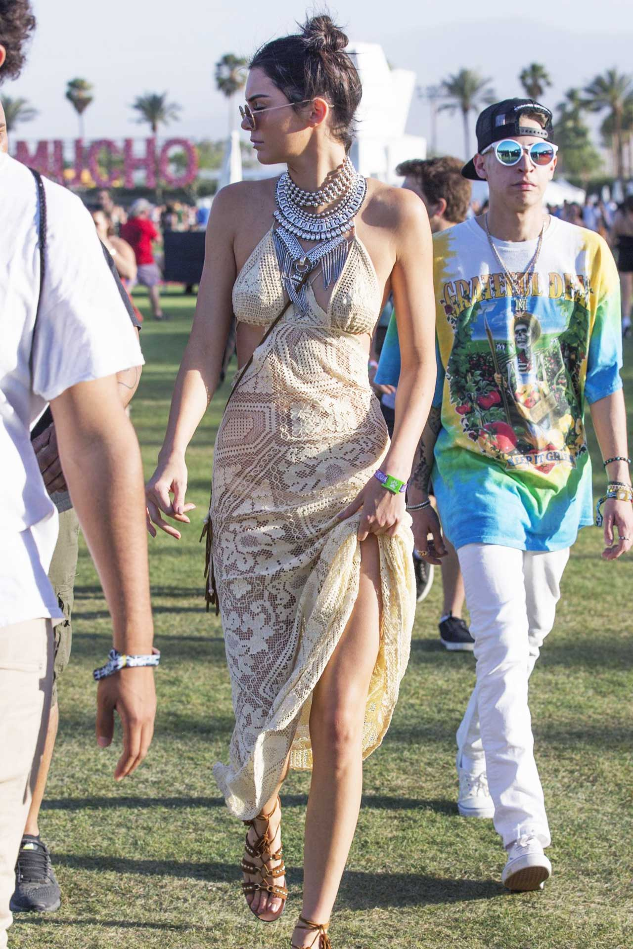 kendall-jenner-at-coachella-2016-best-styles