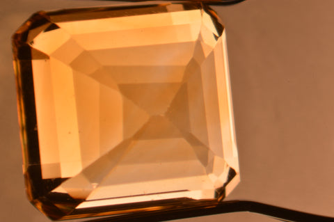 Inclusions in Citrine - Color Zoning