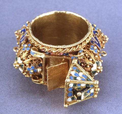 Jewish wedding ring, gold with filigree and  blue, green and white  enamel  16th to 19th c.