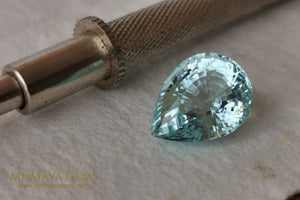 Fine Blue Aquamarine. Pear cut. 8.00 ct.