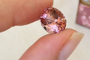 Peach Pink Tourmaline. Natural African Tourmaline. Oval Cut. 5.84 ct.