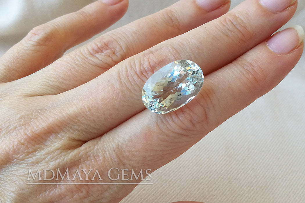 Beautiful Light Blue Aquamarine. Oval Cul. 13.47 ct