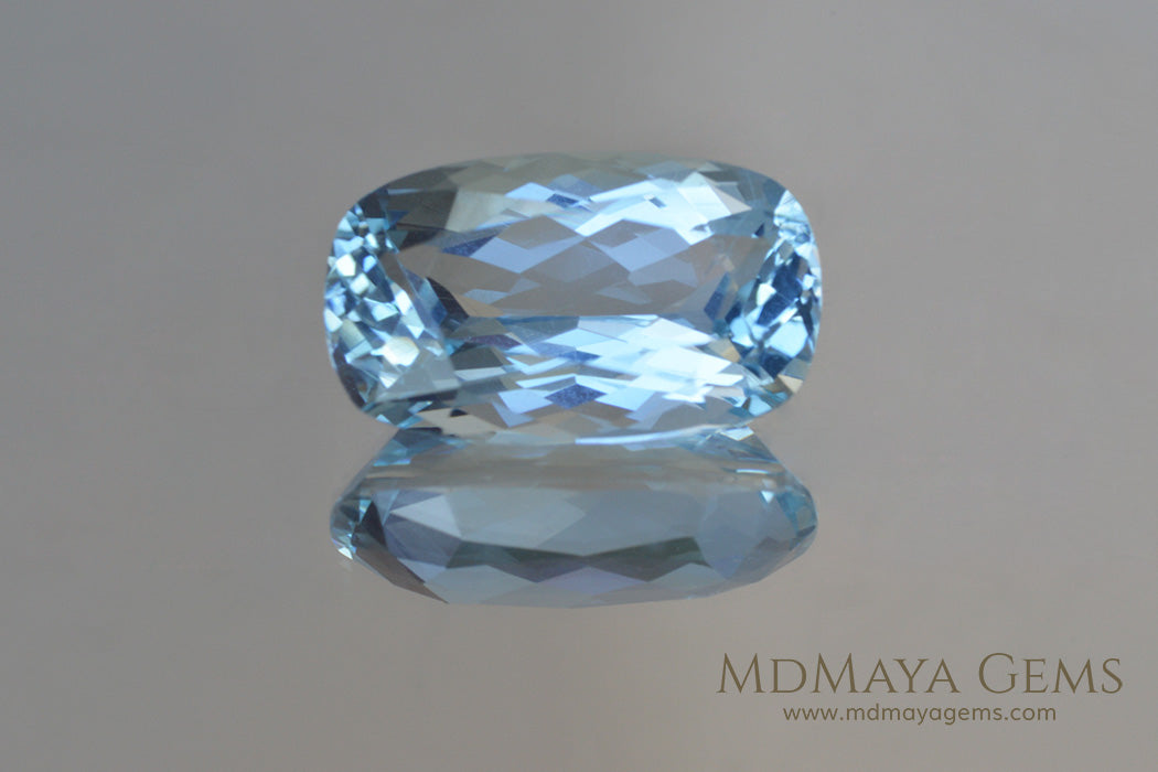 Pretty blue Aquamarine Cushion cut 3.18 ct