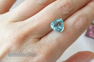 Attractive greenish Blue Aquamarine. Pear cut. 3.51 ct under daylight