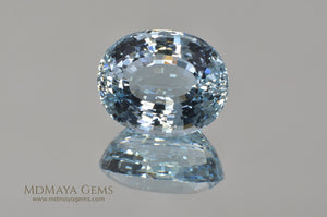 Fine Blue Aquamarine Oval cut 5.87 ct