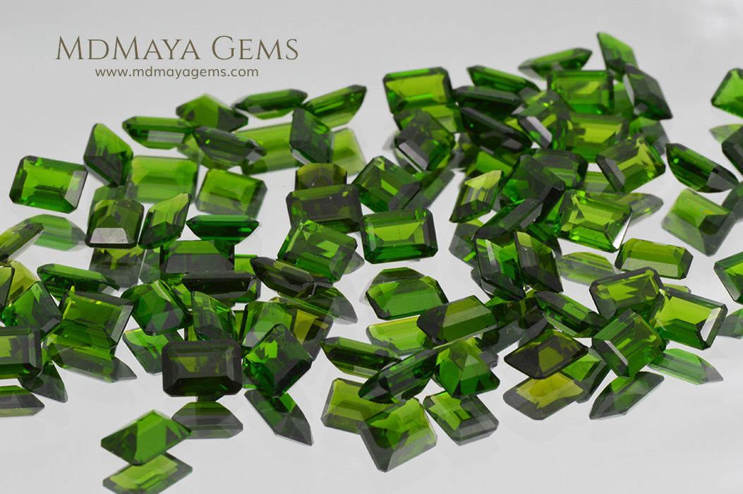 Chrome Diopside Gemstone 63 pieces 61 cts total