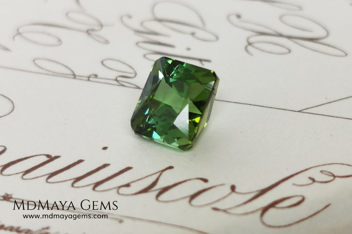 Amazing Green Tourmaline, octagon cut, 1.19 ct. This natural gemstone shows a vivid green color, its behavior under the light is very good, always bright and full of life, and the best its price. Don't miss it!.