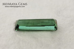 Bright Blue Green Tourmaline. 1.71 ct. Baguette cut. This beautiful gemstone shows a vivid green color, it will look perfect in any piece of jewelry, and the best, its price!. Don't miss it.