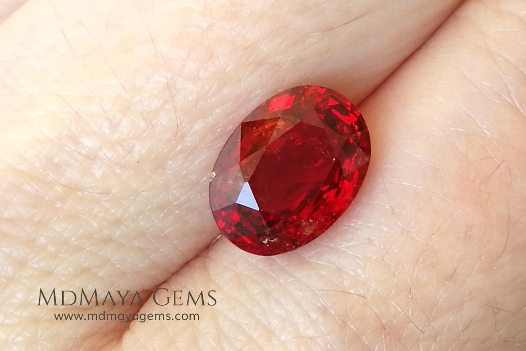 Rich orangy Red Burmese Spinel Oval cut 3.40 ct