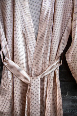 Robe - Powder pink with black dots