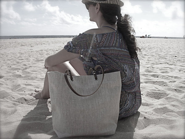 Linen Beach Bag in Metallic Silver Linen