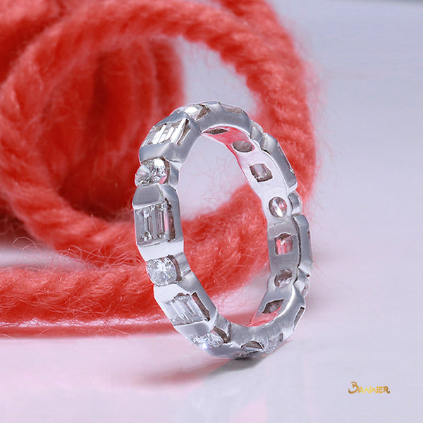 Diamond Emerald-cut circle Alternate Ring