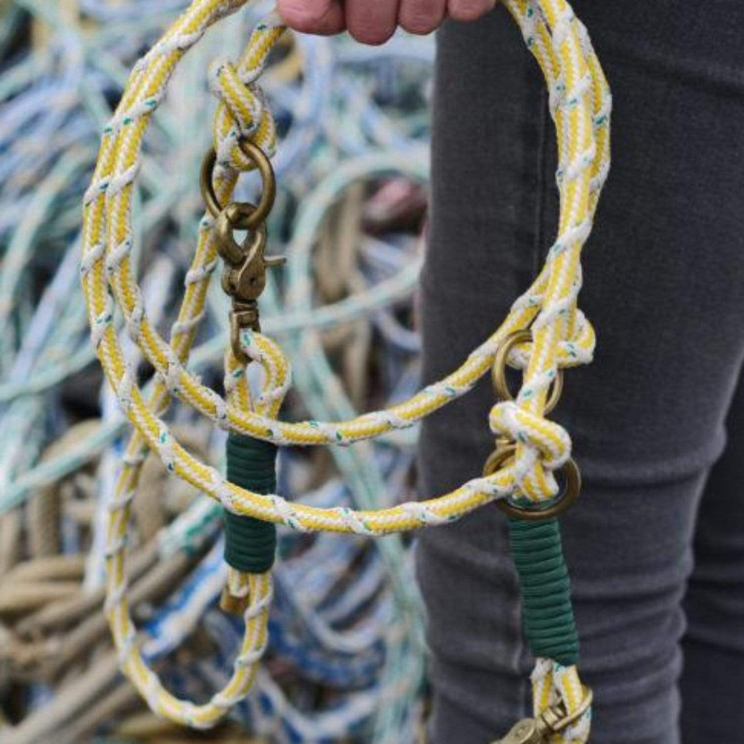 Bracenet, sustainable and plastic free dog leash, eco friendly made of old fishing nets, in yellow and white