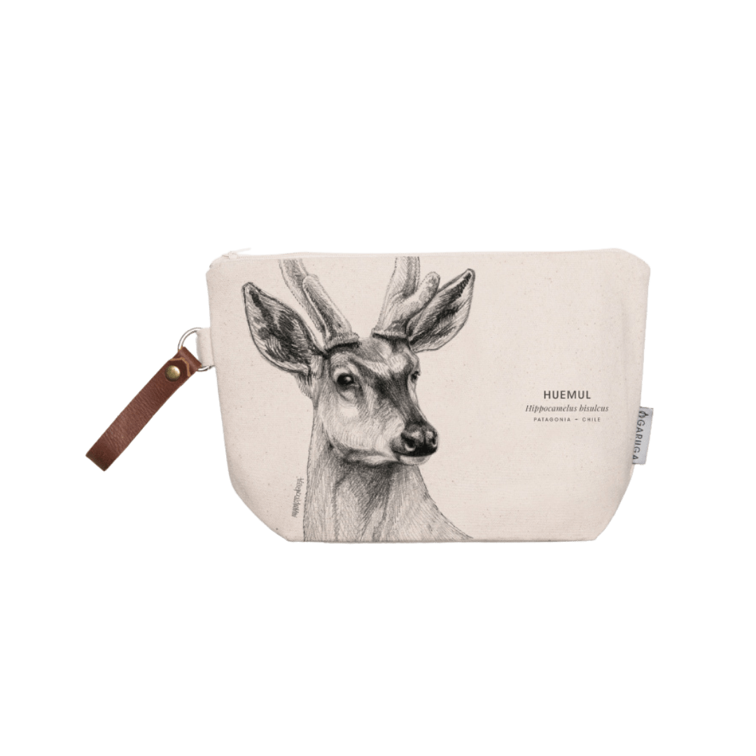 Sustainable gift Garuga toiletry bag for conservation of huemul in Patagonia