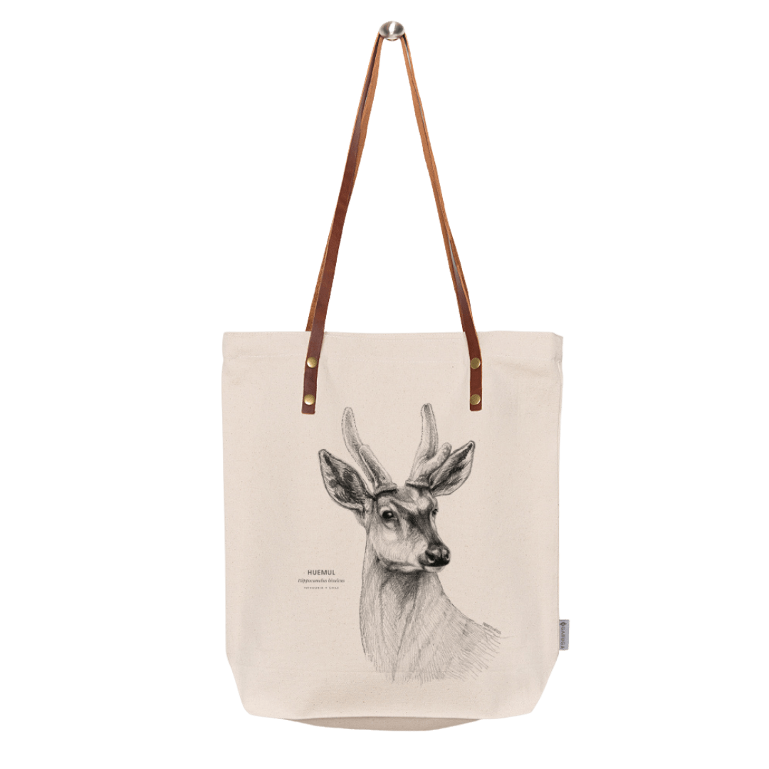 Sustainable gift Garuga totebag for conservation of huemul in Patagonia