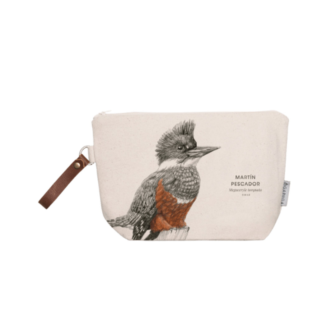 Sustainable gift Garuga toiletry bag for conservation of martín pescador kingfisher in Patagonia