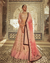 Load image into Gallery viewer, Begum Lehenga