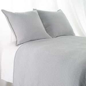 "King  ""INDI"" Coverlet Diamond Mattelasse Light Grey"