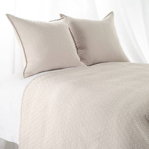 "Queen ""INDI"" Coverlet Diamond Mattelasse Ecru"