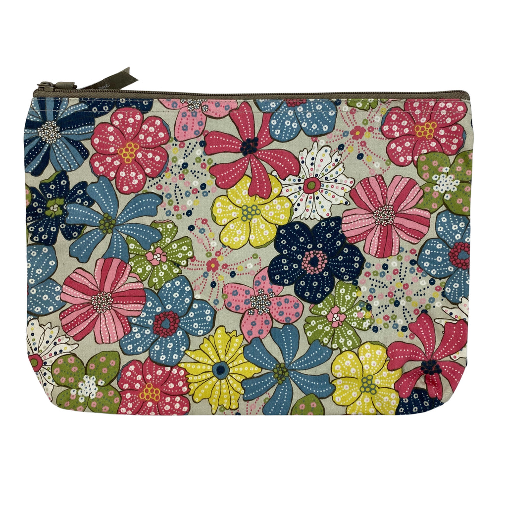 "THIRTY-ONE ""Free Spirit Floral"" Zipper Pouch (NEW)"