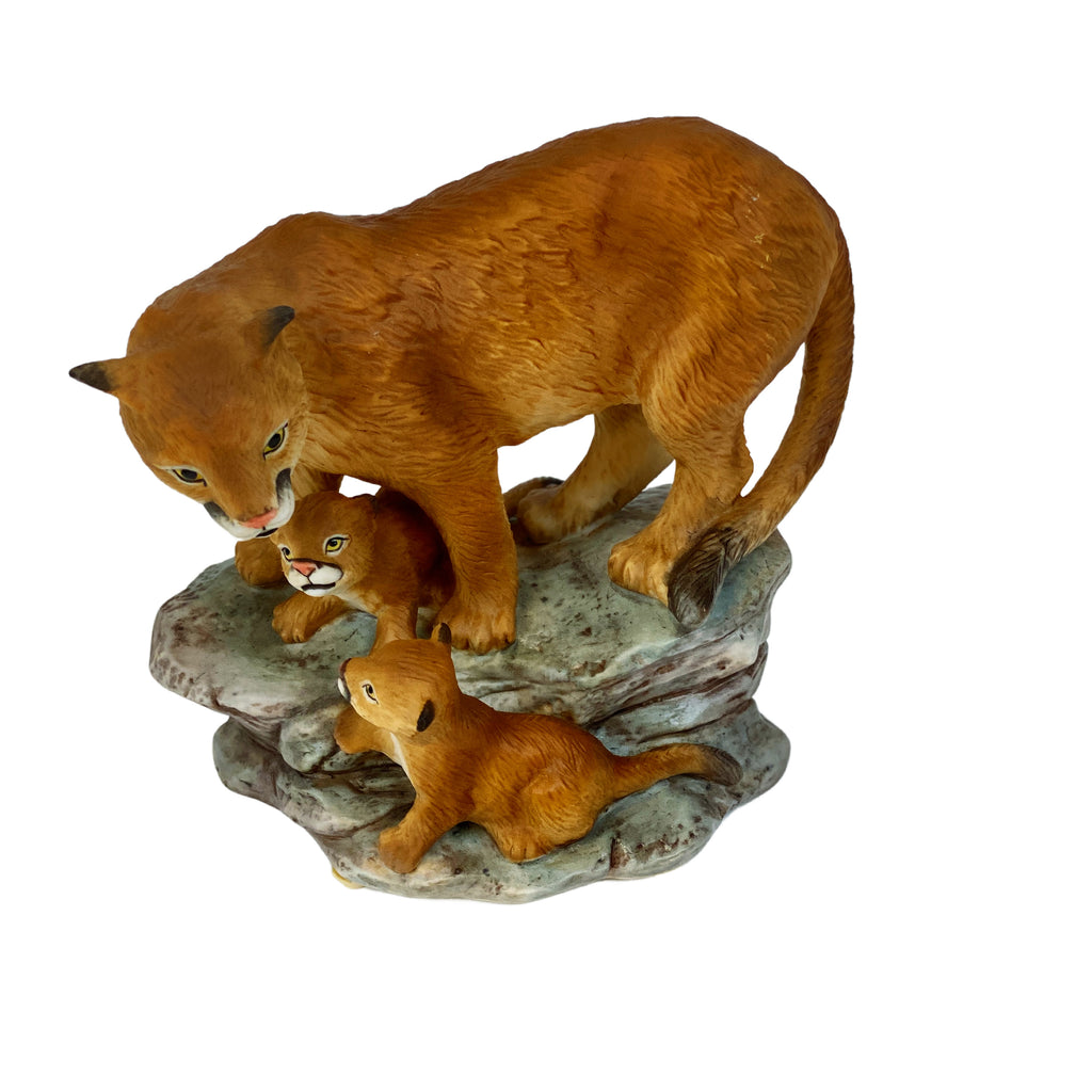 MASTERPIECE by HOMCO Endangered Species Mountain Lion with Cubs 1994 (Pre-Loved)