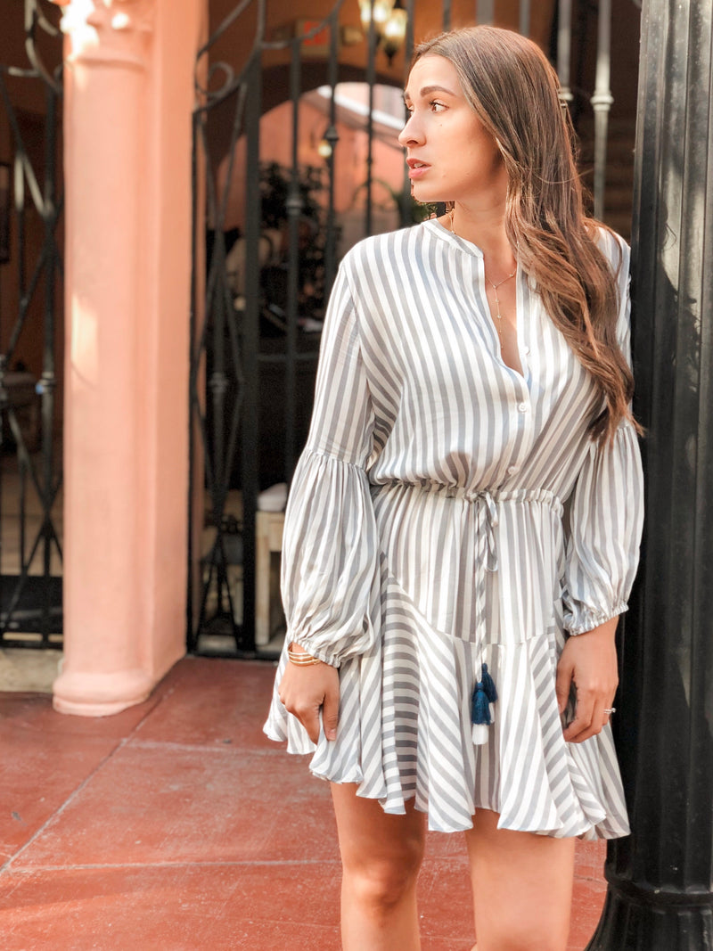 Molly Striped Flowy Dress - White/Navy