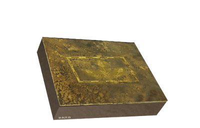 Rustic bronze lid box with blind artwork