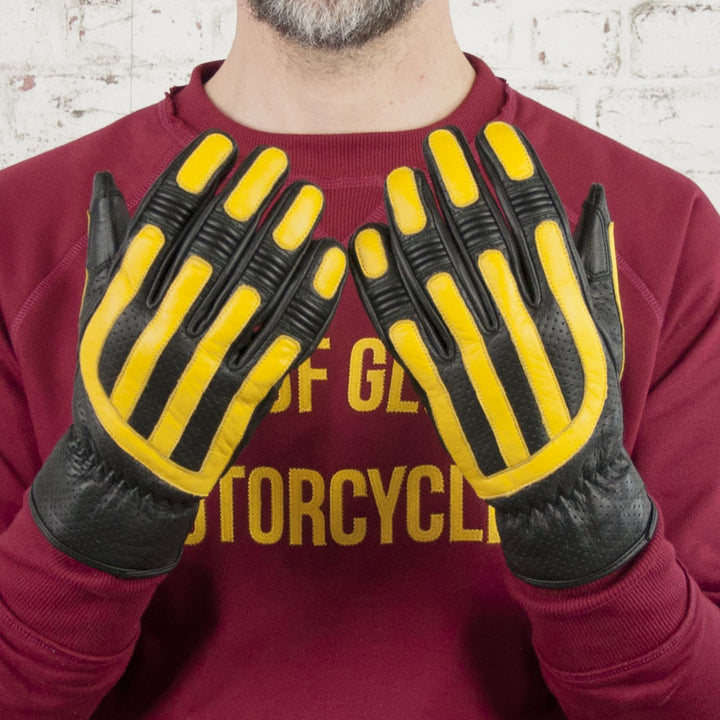 Age of Glory Victory Leather CE Gloves Black / Yellow