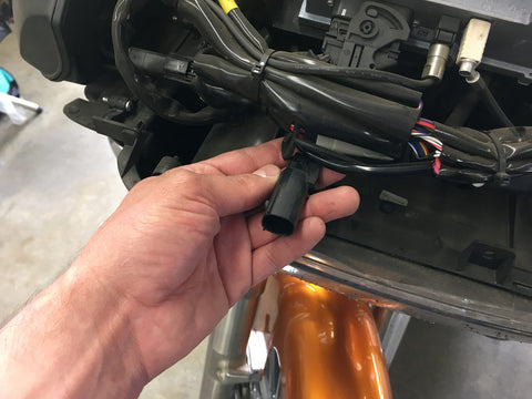 Rear channel outputs from factory Harley radio