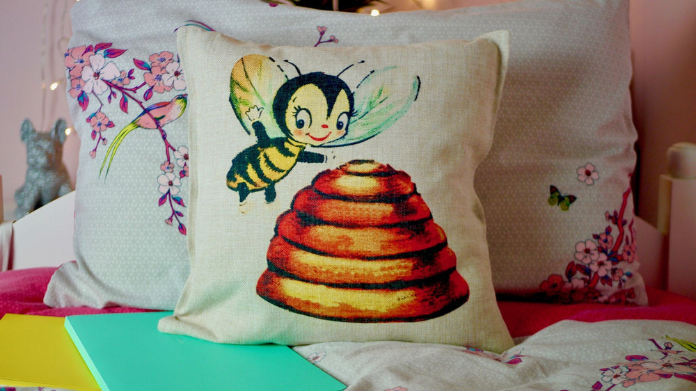 Load image into Gallery viewer, Bee Cushion - Canvas Feel Cushion inc. Inner 45cm x 45cm