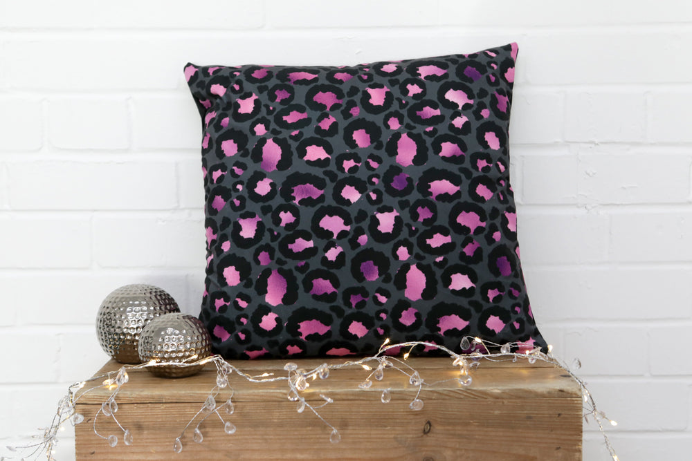 Load image into Gallery viewer, Leopard Print Pink Velvet Cushion