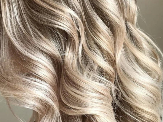 These three wavy hair tutorials will have you covered for the beach and beyond