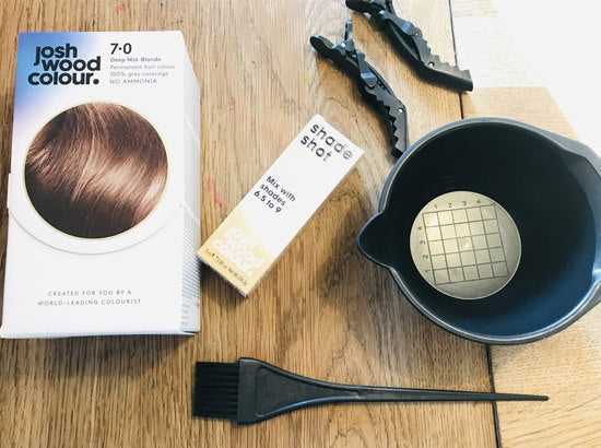 An expert guide on how to dye someone else's hair at home