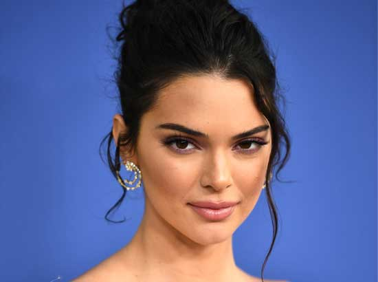 Kendall Jenner: Hairstyle and Hair Colour Profile