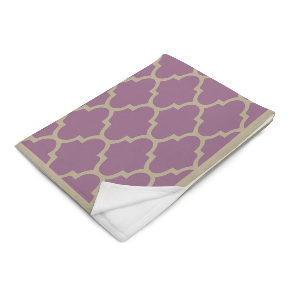 Seamless Pattern Vintage Purple Throw Blanket