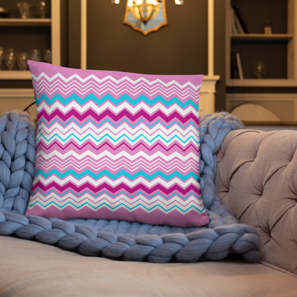 Pink Seamless Pattern Throw Pillows