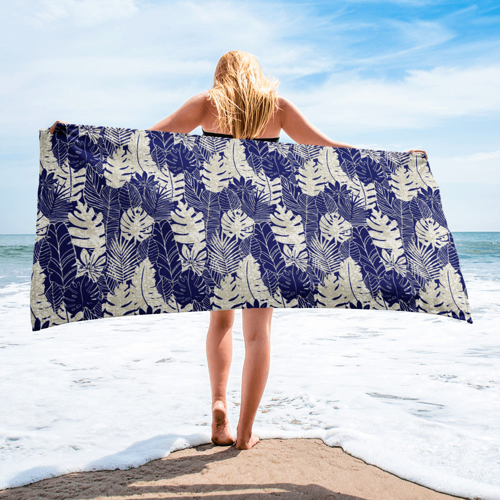 Blue summer Leaves Bath Towel